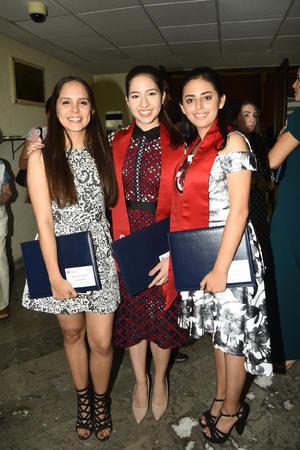 Marcela Prado  Natalia Campa y Sandy Bonilla