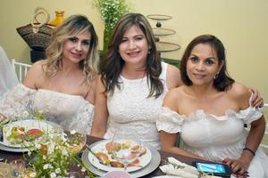 Marisa  Luly y Laura