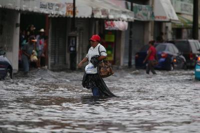 El fenómeno meteorológico que causó encharcamientos severos en algunos puntos de la ciudad.