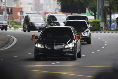 El líder norcoreano Kim Jong-un en su trayecto a la sede de la cumbre con Estados Unidos.