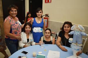 12062018 EN CELEBRACIóN.  Estefanía Verónica Castillo con algunas de sus invitadas a su baby shower.