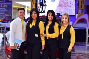 13062018 EN LANZAMIENTO.  Marcos, Lizbeth, Margarita y Lety.