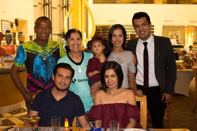 14062018 Carlos Bernardo, Yolanda, Emma, Rocío, Carlos Francisco, Dorian y Erika.