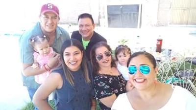 14062018 Amigos de fiesta.