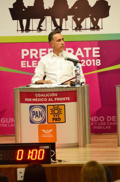 El candidato por el PAN, Guillermo Anaya.