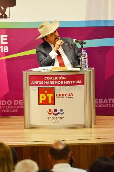 El candidato por Morena, Armando Guadiana.
