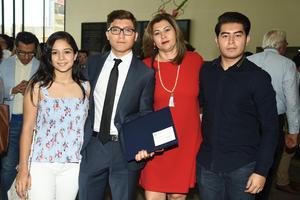 16062018 GRADUACIóN.  Fernanda, Gerardo, Lourdes y Ricardo.