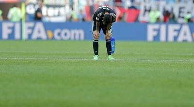 """Leo Messi lamentó, tras el empate de la selección argentina contra Islandia (1-1), que le """"duele haber errado el penalti"""", que le habría dado la victoria a su equipo, pero que aun así la Albiceleste """"mereció ganar"""" y sigue """"con las mismas ganas""""."""