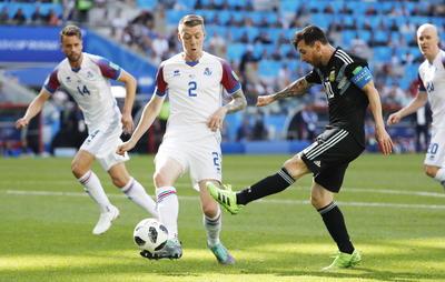Esta Argentina de Sampaoli, que sobre todo es la Argentina de Messi, ha volcado su esencia al gusto de su talento, al toque y al apego por el juego, desde la necesidad de activar a su futbolista más determinante.