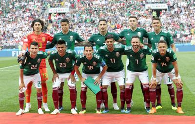 Los once mexicanos que arrancaron el partido en Moscú.
