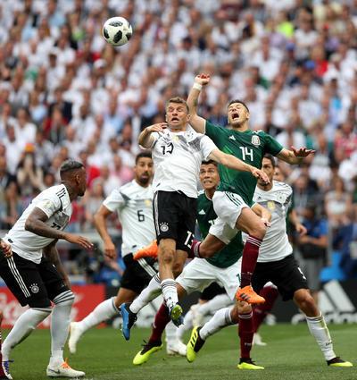 Los centros al área fueron pocos a pesar de la altura de los jugadores bávaros.