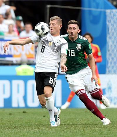 Kroos insistió pero poco pudo hacer al frente.