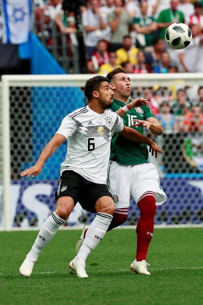 Uno de los mejores jugadores del partido fue el mediocampista Héctor Herrera.