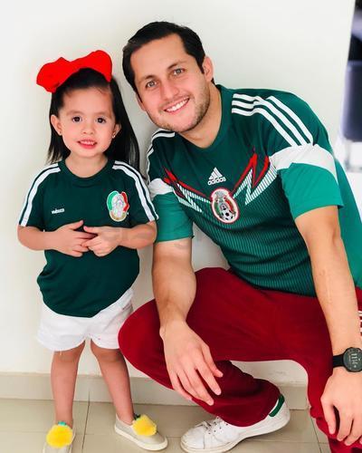Isabela y Antono Mier.