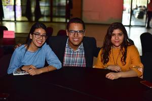 17062018 AMIGOS.  Alejandra, José Alfredo y Karla.