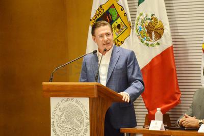 El gobernador de Durango, José Rosas Aispuro, agradeció al Ejército Mexicano su apoyo y disposición para la suma de esfuerzos en beneficio de la Comarca Lagunera.