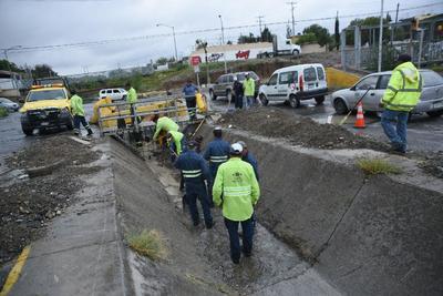 Autoridades exhortan a no tirar basura a la vía pública ni a los arroyos.