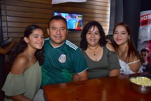 22062018 Paola, Arturo, Laura y Vanessa.