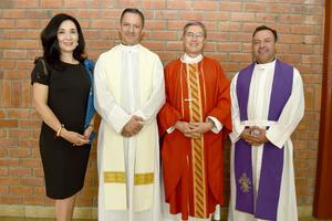 22062018 RECIENTE EVENTO.  Verónica Casas, Alfonso Velarde, Obispo Luis Martín Beltrán Barraza y Gerardo de la Rosa.