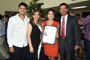 22062018 FIN DE SUS ESTUDIOS.  Enrique, Pamela, Josefina y Enrique.