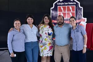 22062018 CONTENTOS.  Yereni, Mariel, Andrea, Evaristo y Pamela.