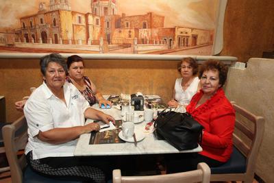 Hilda García Robles, Hilda Jara, Olga Irene Moncayo y Raquel Quiñones.