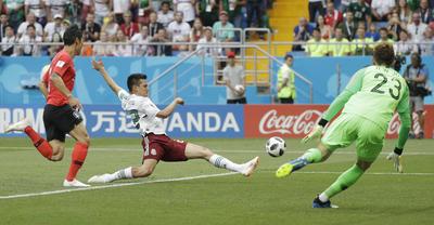 Pese a la ventaja, la Selección Nacional siguió presionando.