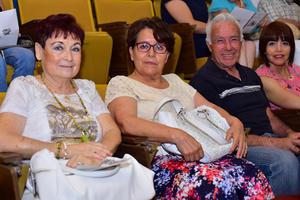 Maria de Lourdes  Maria del R  Carlos y Lily