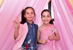 Ximena y Sonia