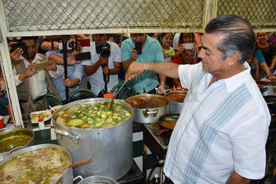 En la recta final de su campaña por la Presidencia, Jaime Rodríguez Calderón visitó Torreón, donde hizo un recorrido por el Mercado Juárez.