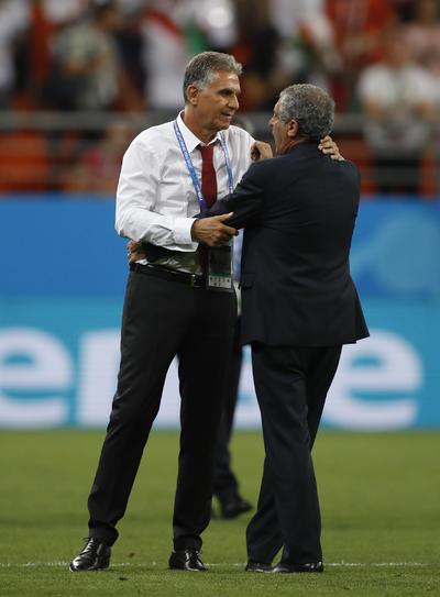 Queiroz y Santos se despiden tras el empate de sus respectivos equipos.