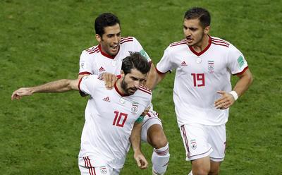 Karim Ansarifard marcó el empate de Irán.