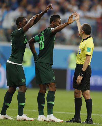 Nigeria protestó las faltas de Argentina.