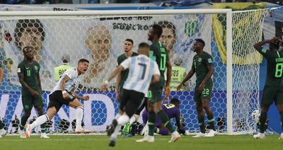 Marcos Rojo marcó el gol de la diferencia para Argentina.