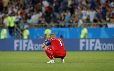 El arquero que le tapó un penal a Messi en la jornada uno, Halldorsson, no pudo evitar la derrota.