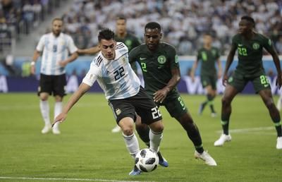La ferrea defensa de Nigeria repelía los constantes ataques de Argentina.