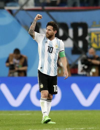 Lionel Messi festeja su primer gol del Mundial.