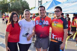 27062018 EN CARRERA ATLéTICA.  Frida, Sandra, Rogelio y Rogelio.