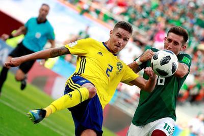 Herrera fue de los que mejor se vio durante el partido ante Suecia.
