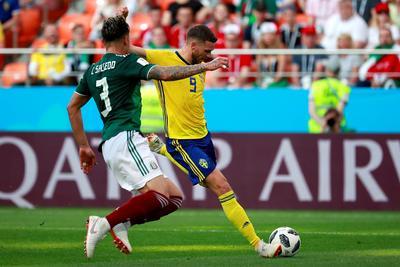 Los suecos se acercaron durante gran parte del encuentro al arco de Ochoa.