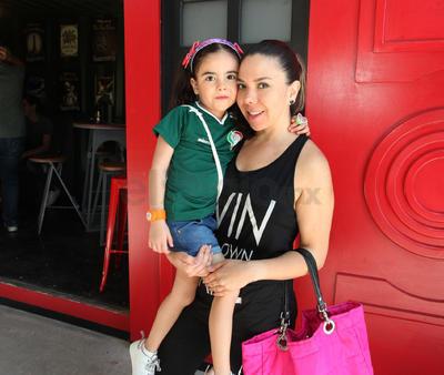 Diana Gaytán y Valentina Guzmán.