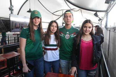 Esperanza Meraz, Simón Guajardo, Carolina Nájera y Yamile Majul.