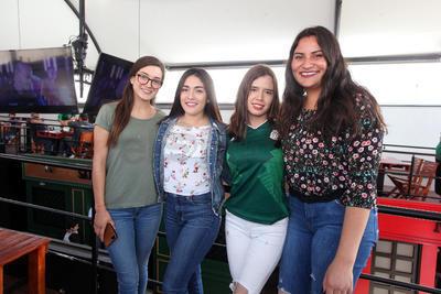 Aileen, Vero, Alejandra y Miriam.