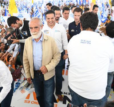 A los miles de militantes y simpatizantes provenientes de todos los rincones del estado que con bandera en mano apoyaron durante 90 días su campaña, el político queretano les pidió darlo todo por México y por Guanajuato el 1 de julio.
