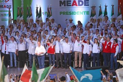 """El candidato priísta a la presidencia de México, José Antonio Meade, realizó ante saltillenses su cierre de campaña, en donde dijo """"vamos a ganar cinco de cinco""""."""