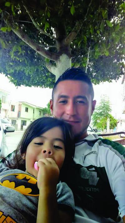 28062018 Johana con su papá, Jonathan.
