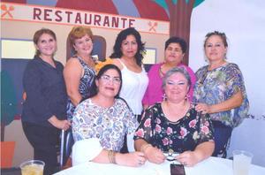 28062018 FELIZ CUMPLE.  Claudia Zulema de Luna con Bertha, Vero, Marichuy, Georgina y Lucero.