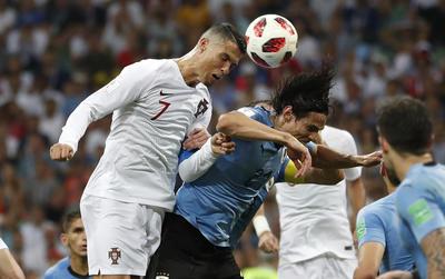 Portugal acosó el área rival, pero sin mucha peligrosidad, lo cual le permitió a Uruguay mantener la ventaja y decirle adiós a Cristiano Ronaldo, quien vino de más a menos en la competencia.