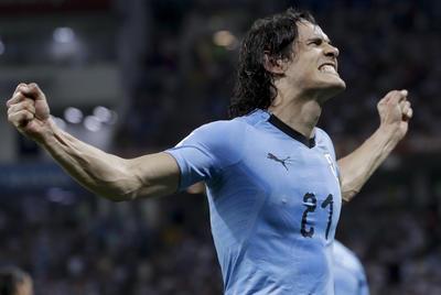 Con un doblete de Edinson Cavani, la selección de Uruguay se impuso 2-1 a Portugal y a Cristiano Ronaldo, para así avanzar a los cuartos de final de la Copa del Mundo Rusia 2018, disputado en el estadio Fisht.