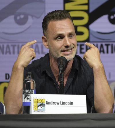 """El actor británico Andrew Lincoln, el gran protagonista de """"The Walking Dead"""", confirmó hoy en Comic-Con que abandonará la popular serie de zombis en su novena temporada: """"Solo tengo agradecimiento y amor para todo el equipo"""", dijo."""